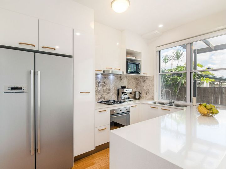 6 Gibson Lane, Morningside, QLD