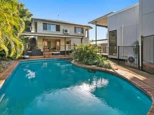 Dual Living Separate Granny Flat - Family Home - Resort Style Pool - Ormiston