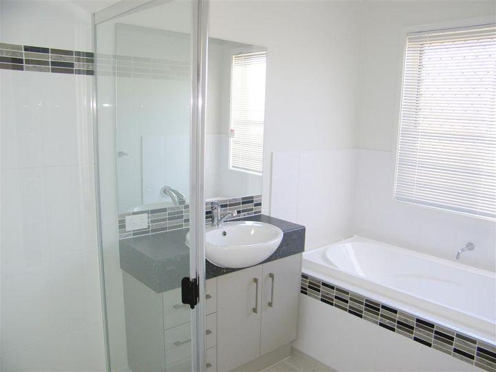 39 Clover Crescent, Boyne Island, QLD