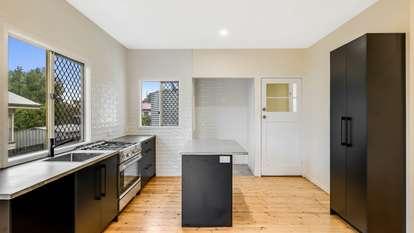 24 Elizabeth Street, South Toowoomba