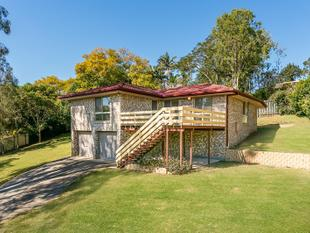 IMMACULATE HOME ON 1/2 AN ACRE! - Beaudesert