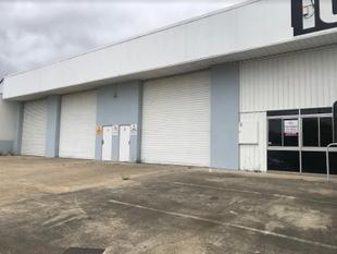 WAREHOUSE JUST OFF THE M1, MOTIVATED OWNERS READY TO LEASE  - Slacks Creek