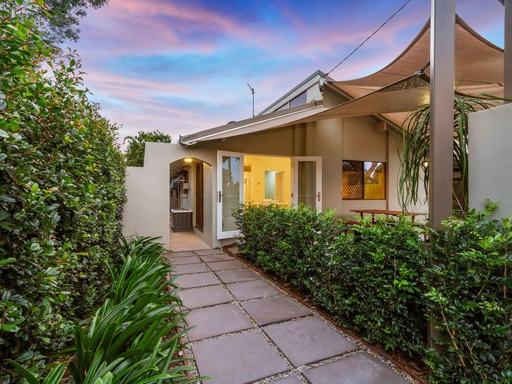 3 Plover Avenue, Paradise Point, QLD