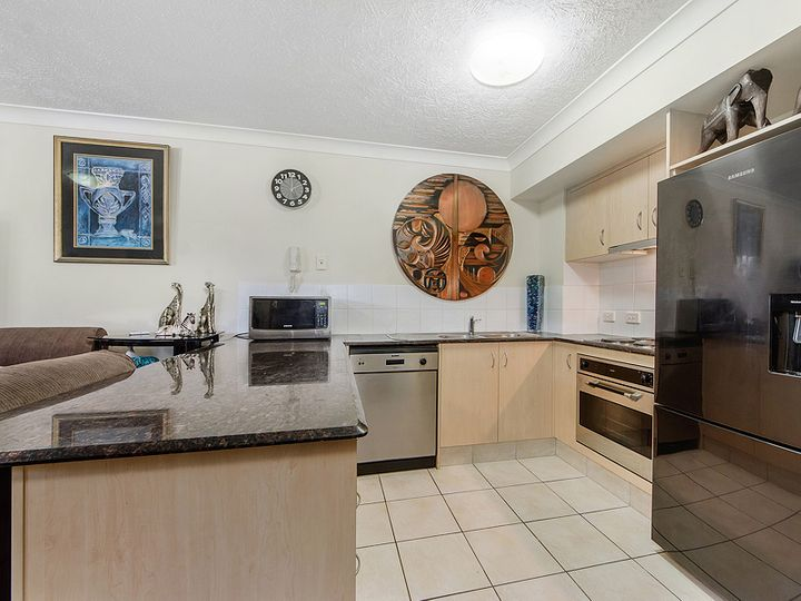 34/61 North Street, Southport, QLD