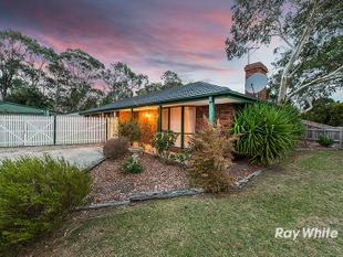 A TRUE FAMILY HOME WITH POTENTIAL - 4 ROBED BEDROOMS, SPACIOUS LAND, MOMENTS TO ALL AMENITIES! - Cranbourne
