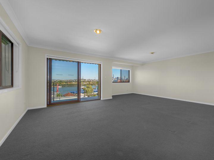 8/24A Crescent Road, Hamilton, QLD