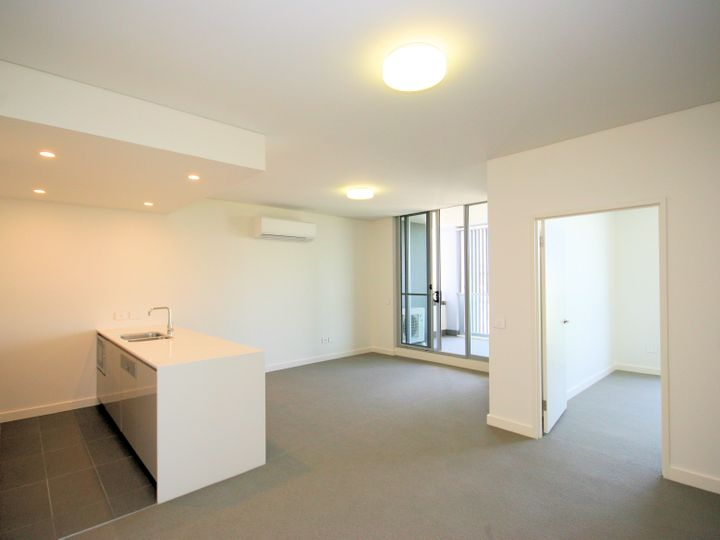 c708/5 Verona Drive, Wentworth Point, NSW
