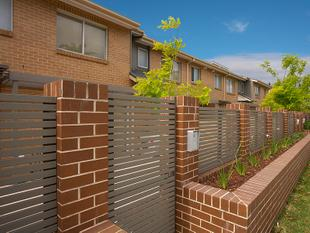 WALKING DISTANCE TO NEPEAN HOSPITAL - Kingswood