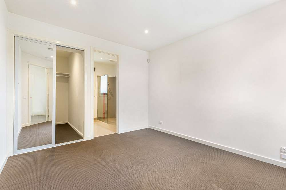 2/76 Scoresby Road, Bayswater, VIC 3153