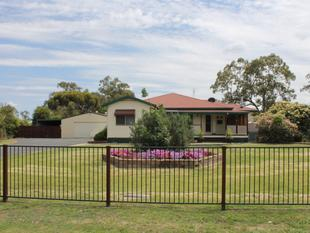 Acreage Living At It's Finest - Dalby