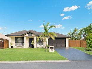 4 BED + STUDY, 4 LIVING - OPPOSITE GOLF COURSE, DRIVE-THRU GARAGE, INGROUND POOL, SIDE ACCESS & MORE... - North Lakes