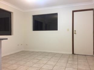 ONE BEDROOM  BEAUTY - RENT INCLUDES CAPPED UTILITIES - Turramurra