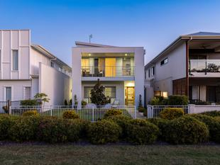 Quiet and Private with Park Views - Maroochydore
