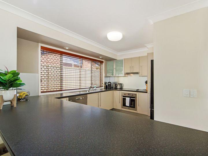 90 Parkwood Boulevard, Parkwood, QLD