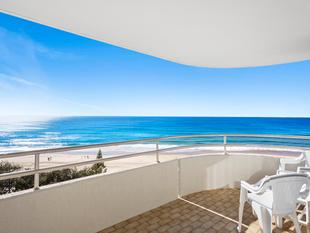 Ultimate Beach Lifestyle at it's Best - Surfers Paradise