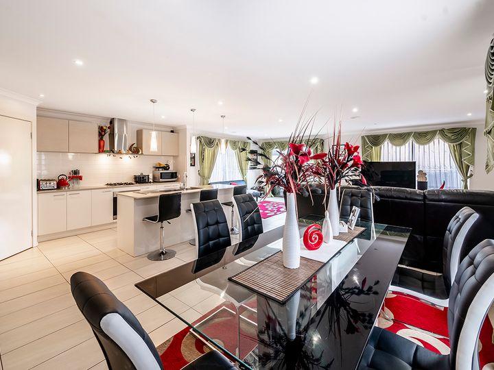15 Brolin Terrace, Cranbourne North, VIC