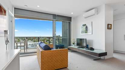 30608/300 Old Cleveland Road, Coorparoo
