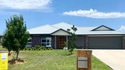 11 Somerset Place, Scone