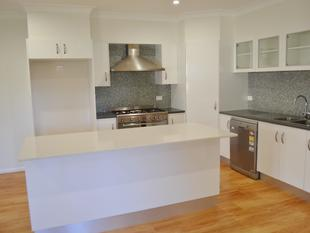 Modern Four Bedroom Townhouse with Timber Deck - Yamba