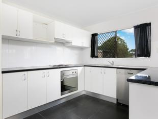 FULLY RENOVATED 2 BEDROOM UNIT - RENT FOR $230 PER WEEK - $2,091.52 LOW BODY CORPORATE FEES - SMALL COMPLEX OF 4 - Woree
