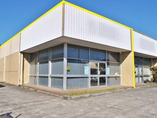 143m2* OFFICE/ SHOWROOM/ WAREHOUSE WITH EXPOSURE! - Slacks Creek