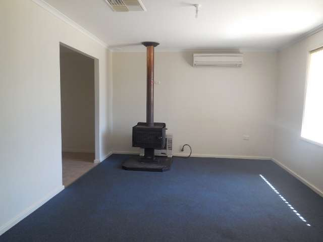 10 Standen Place Moora Wa 6510 House For Rent Ray