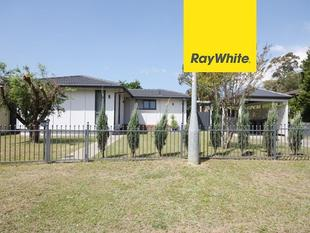 Fully renovated ultra stylish 3 bedroom home - Macquarie Fields