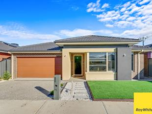 Picture perfect Family Home at a Fantastic Location - Tarneit