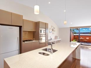 Penthouse Apartment with Leafy Views - Forestville