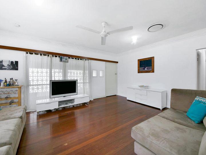 68 Cheviot Street, Grange, QLD