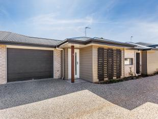 BRAND NEW STYLISH VILLA - CLOSE TO SHOPPING CENTERS - Wilsonton