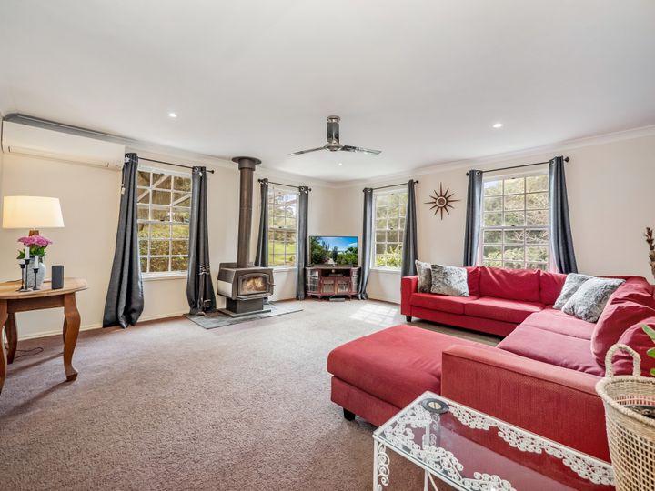 11 Henderson Place, Modanville, NSW
