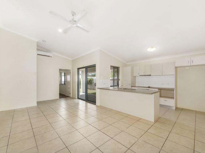 10 Murphys Lane, Oxenford, QLD