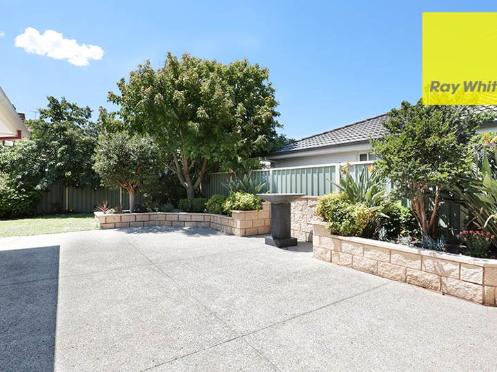 6 Dalkeith Drive, Point Cook, VIC