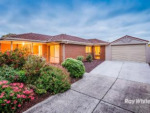 CENTRAL LOCATION! - Cranbourne West