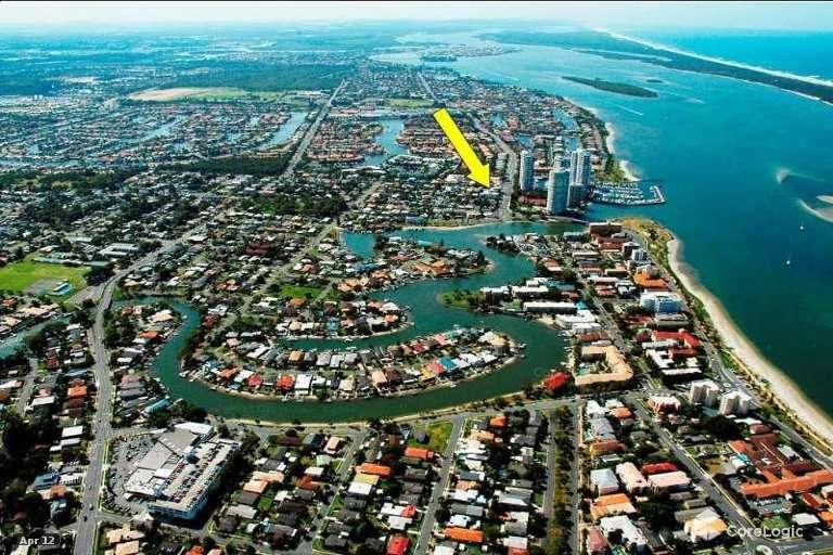 12/12-18 Bayview Street, Runaway Bay, QLD 4216