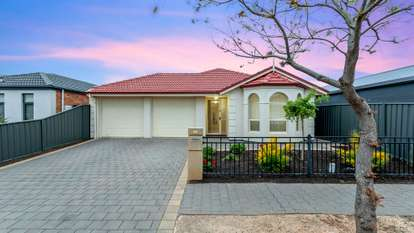 89 Riesling Crescent, Andrews Farm