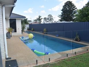 Quality Home with a Pool & Shed - Gracemere