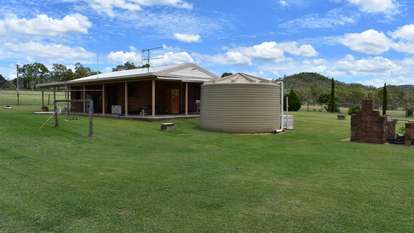 49582 Burnett Highway, Oakey Creek