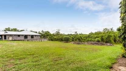 41 & 43 Inverway Circuit, Farrar