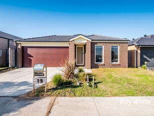GRAND OPEN** SATURDAY 26TH MAY AT 2:40PM - 3PM - Cranbourne West
