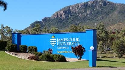1 James Cook Drive, Douglas