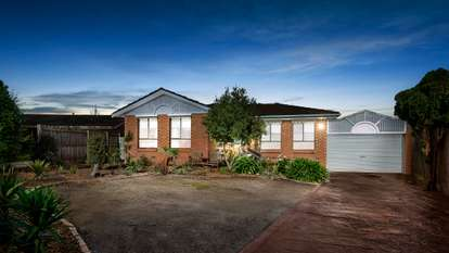 8 Cowin Close, Rowville
