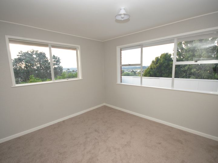 1/24 Exeter Place, Unsworth Heights, North Shore City