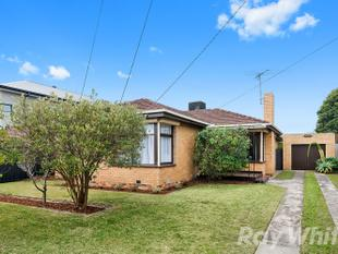 Move In, Stretch Out. It's All About Family Value Here - Moorabbin