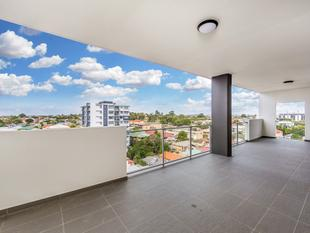 SPACIOUS PENTHOUSE APARTMENT WITH STUNNING VIEWS - Chermside