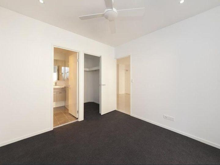 12 Montrose Road, Taringa, QLD
