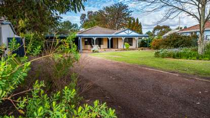 72 Queens Road, South Guildford
