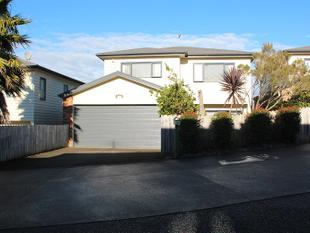 3 bedroom family home - Albany