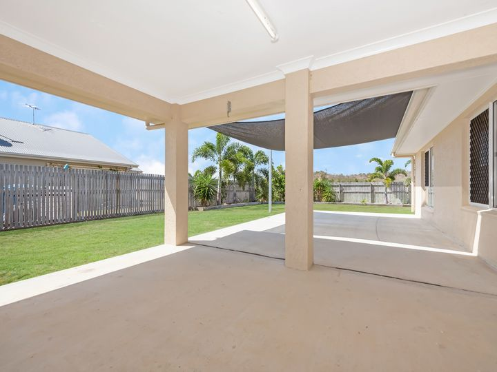 15 Mariala Court, Bushland Beach, QLD